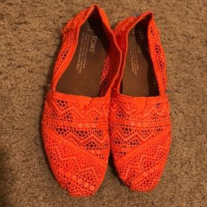 Bright orange Toms
